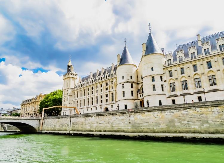 Paris -18-76