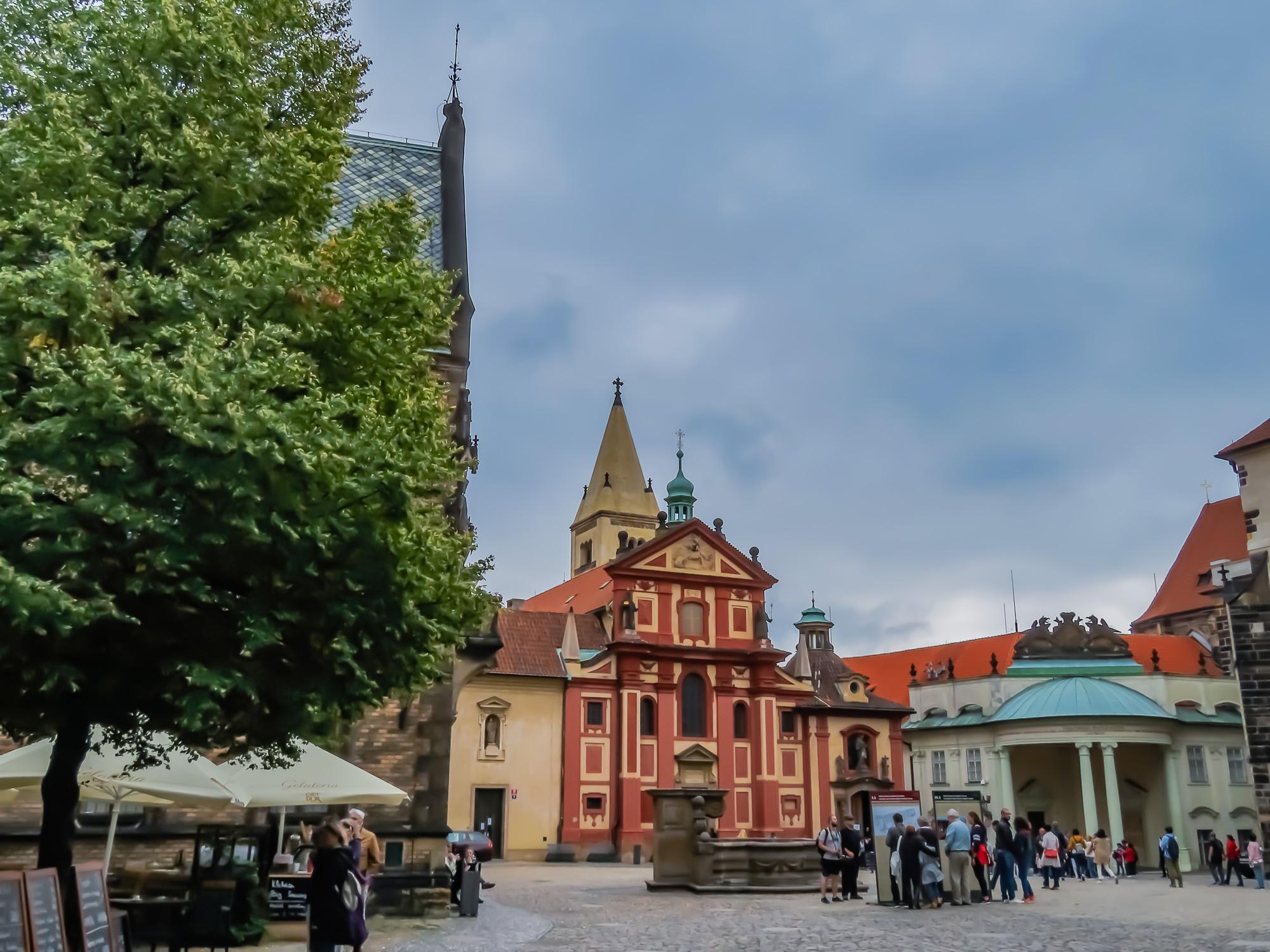 Prag kyrka och bro-10