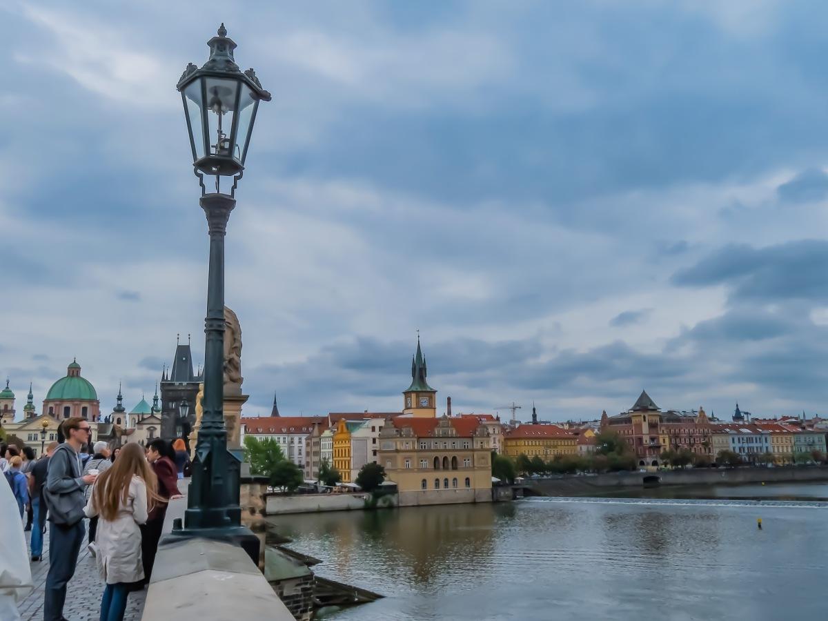 Prag kyrka och bro-48