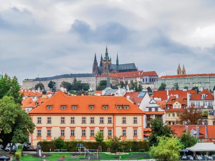 Prag kyrka och bro-50